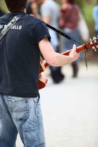 Singen in der Fußgängerzone gegen Geld