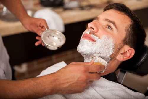 Mann finden, der sich rasieren lässt